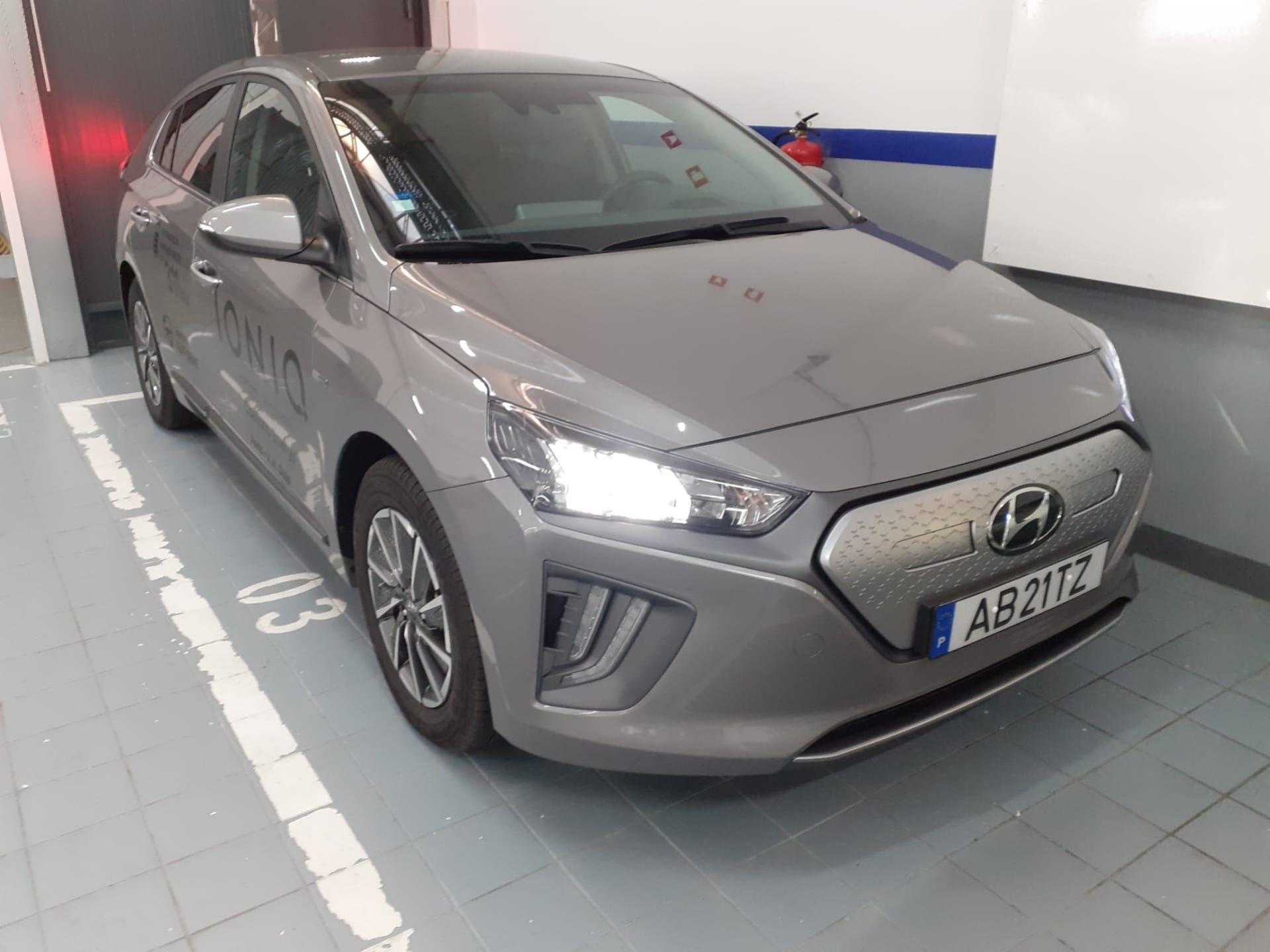 Hyundai IONIQ EV MY20 + Pack Pele segunda mão Porto