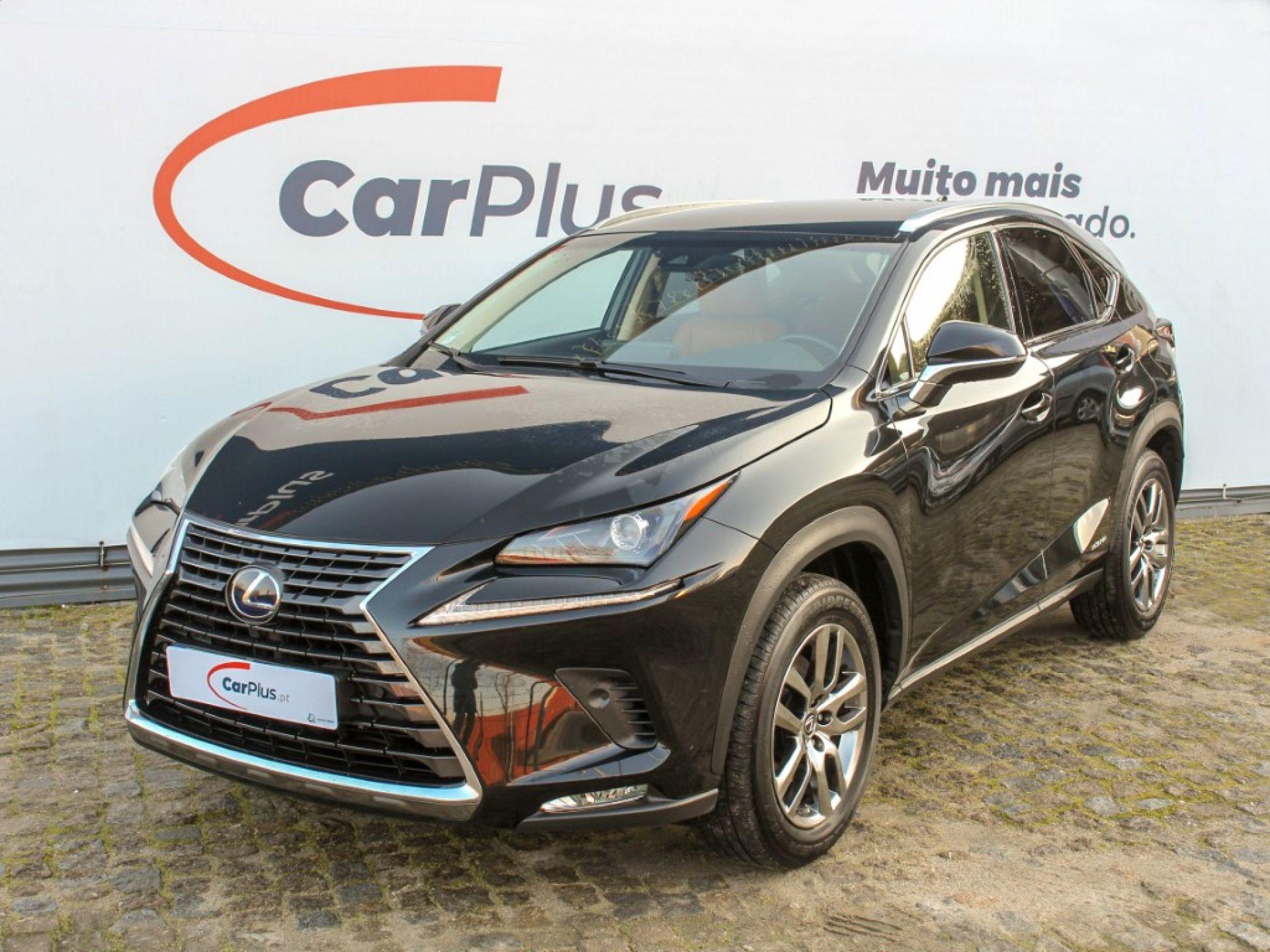 Lexus NX 2.5 300H 4X2 Executive Plus segunda mão Porto