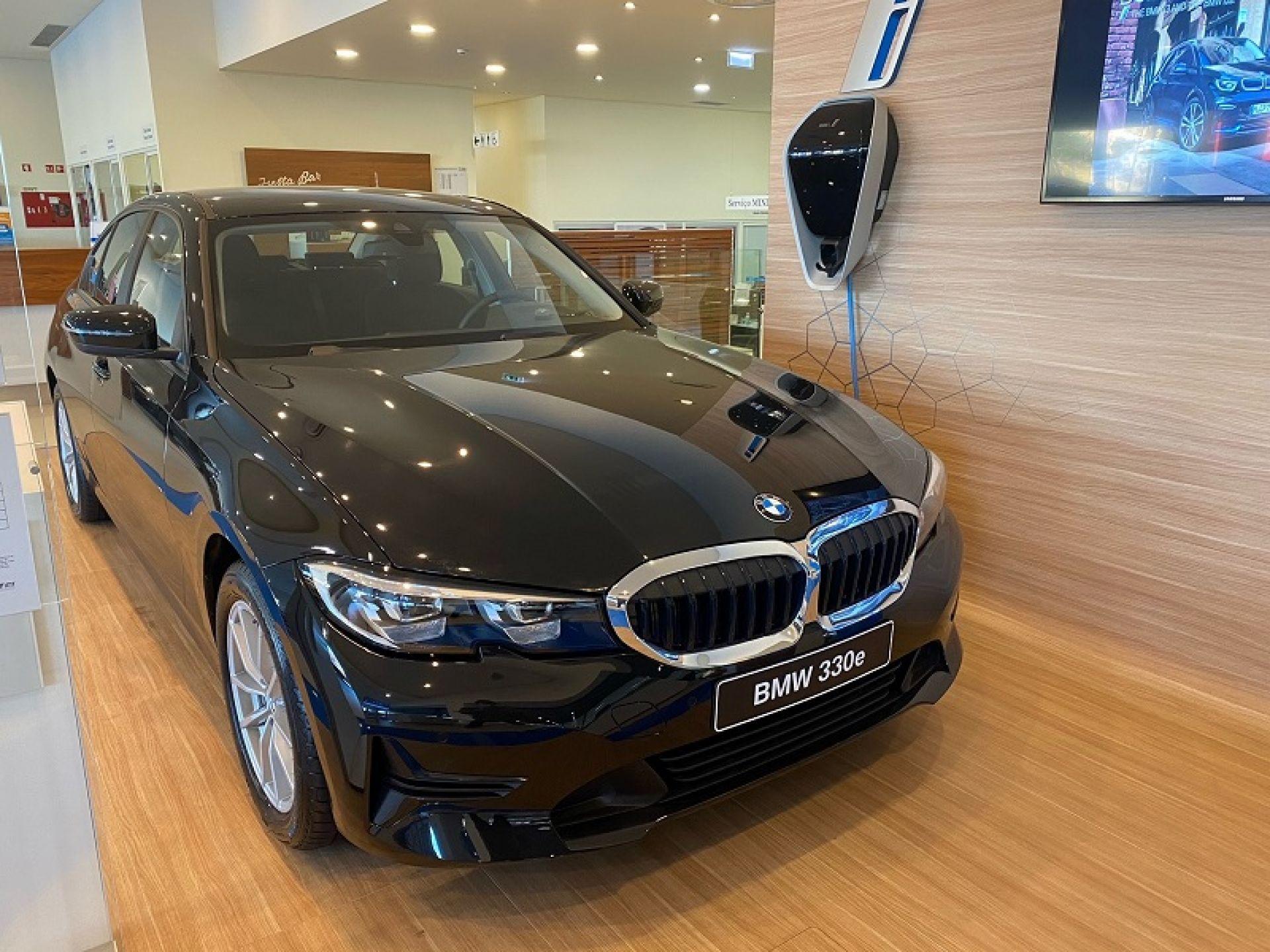 BMW Serie 3 330e Auto segunda mão Faro