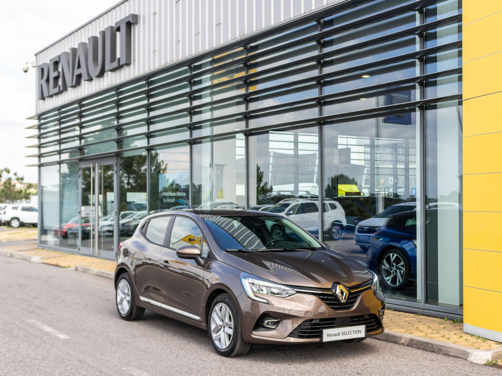 Renault Clio TCe 100 Intens usada Setúbal