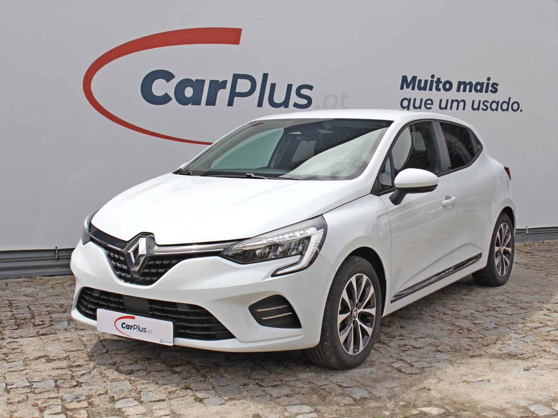 Renault Clio 1.6 E-Tech 140 Intens segunda mão Porto