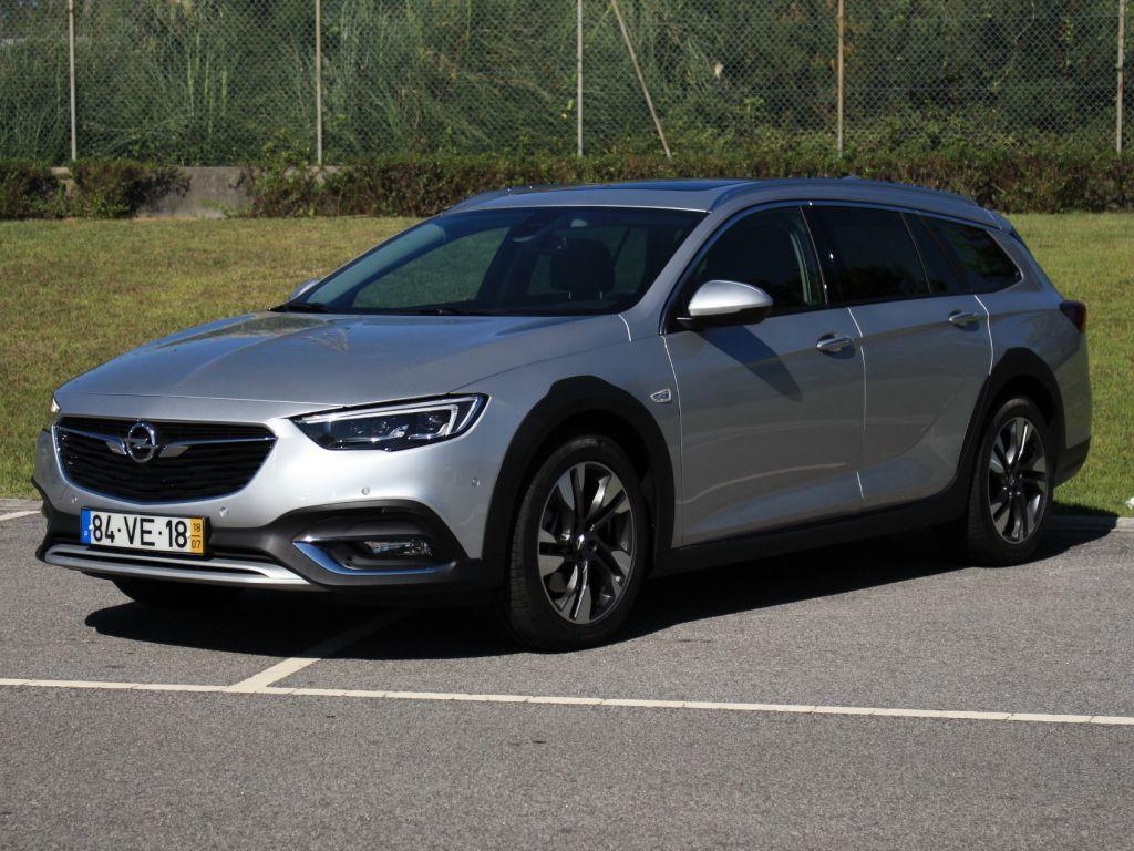 Opel Insignia 2.0 Turbo D 170cv S/BI Country Tourer segunda mão Porto