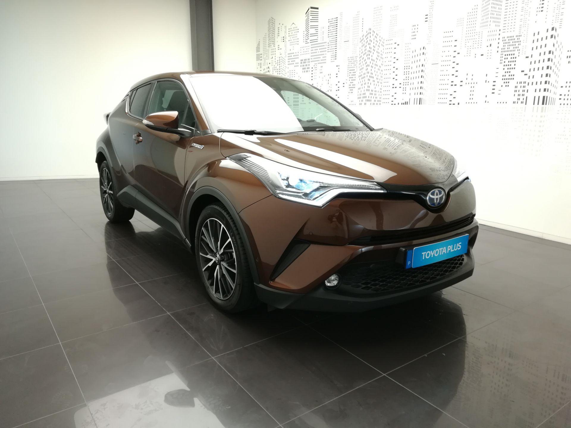 Toyota C-HR 1.8 HSD Exclusive + Pack Luxury segunda mão Aveiro