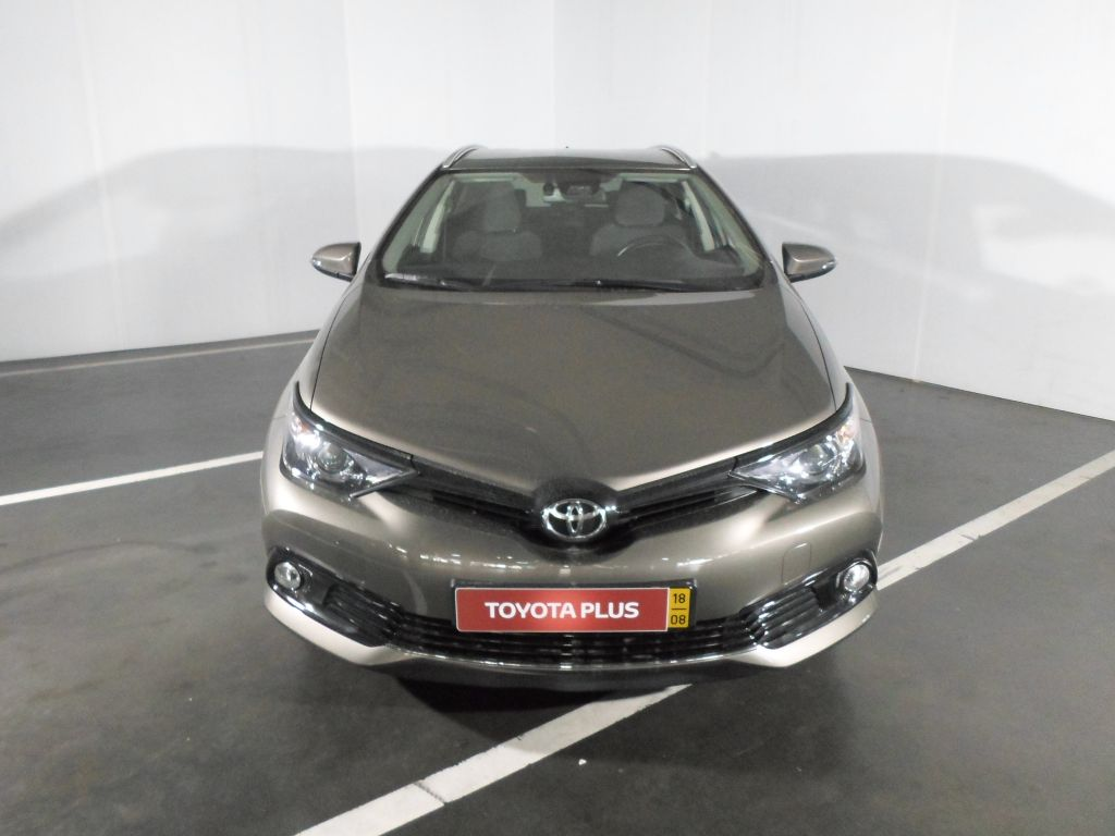 Toyota Auris Touring Sports 1.4D Comfort Pack Techno Pack Sport TS segunda mão Porto