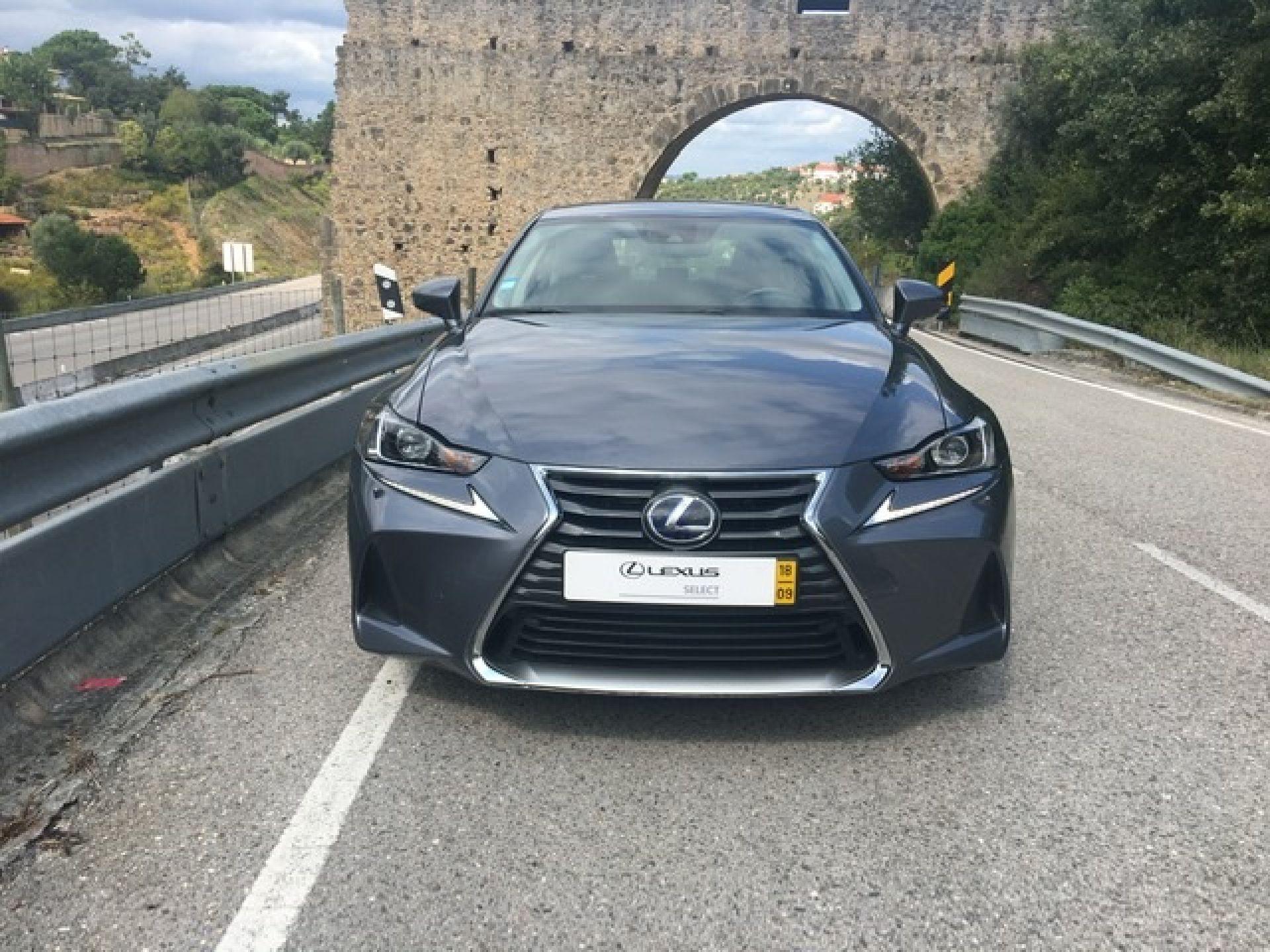 Lexus IS 300h Executive Plus usada Coimbra