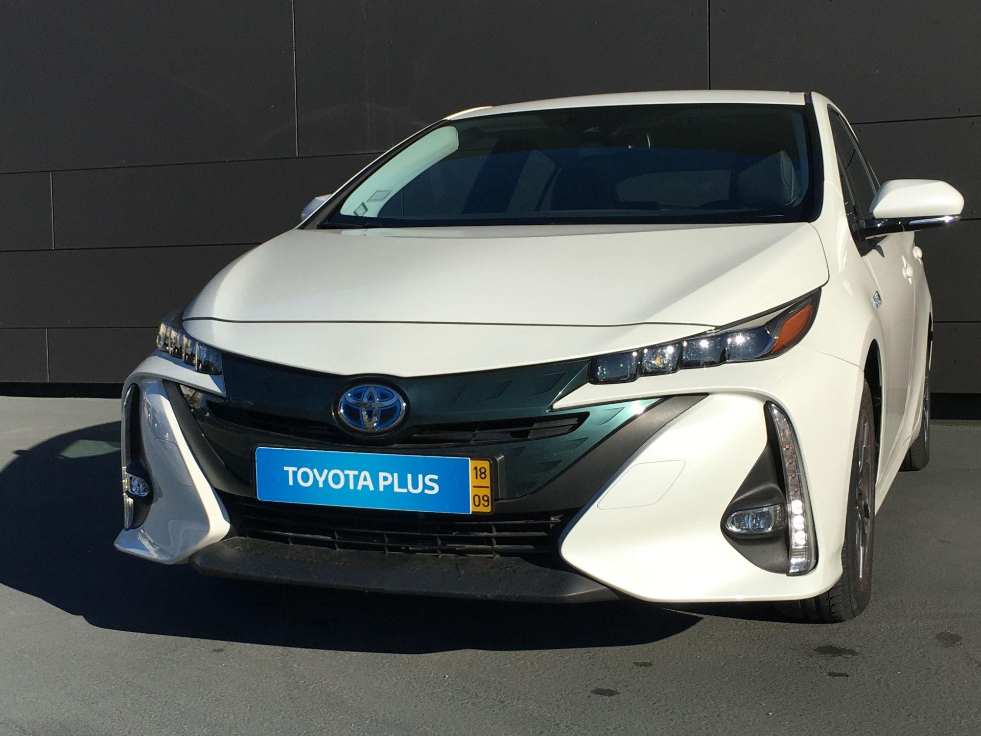 Toyota Prius PHV Prius 1.8 Hybrid Plug-in Luxury + Pele segunda mão Faro