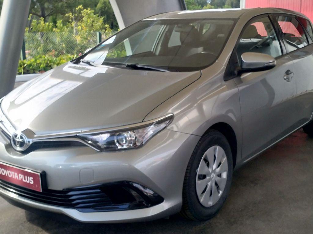 Toyota Auris Auris H1.4D Active + AC segunda mão Aveiro