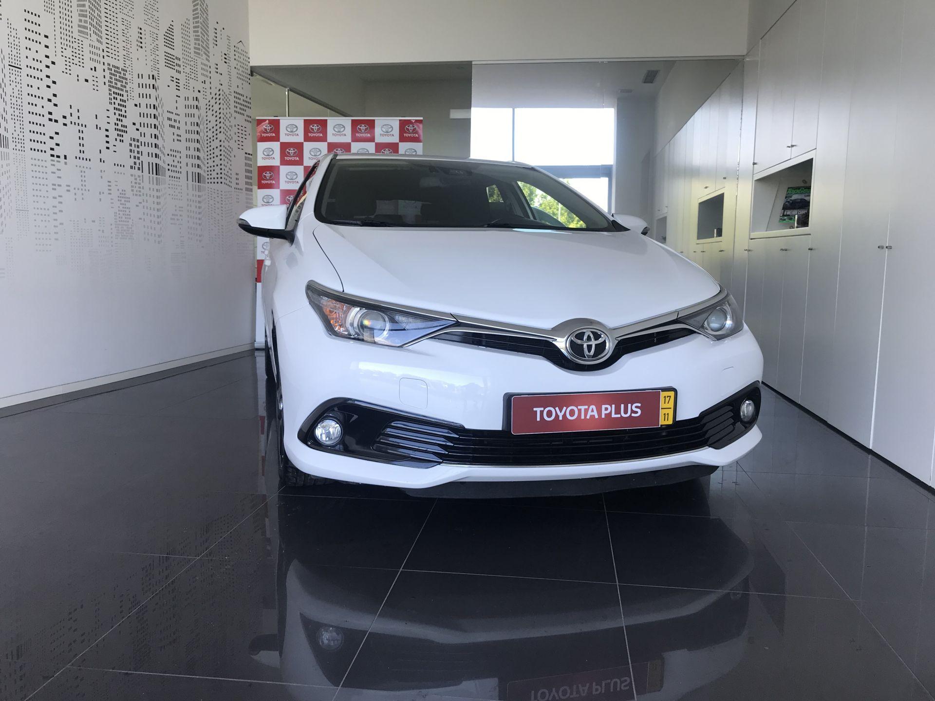 Toyota Auris Auris H1.4D Comfort + Techno + Pack Sport segunda mão Lisboa