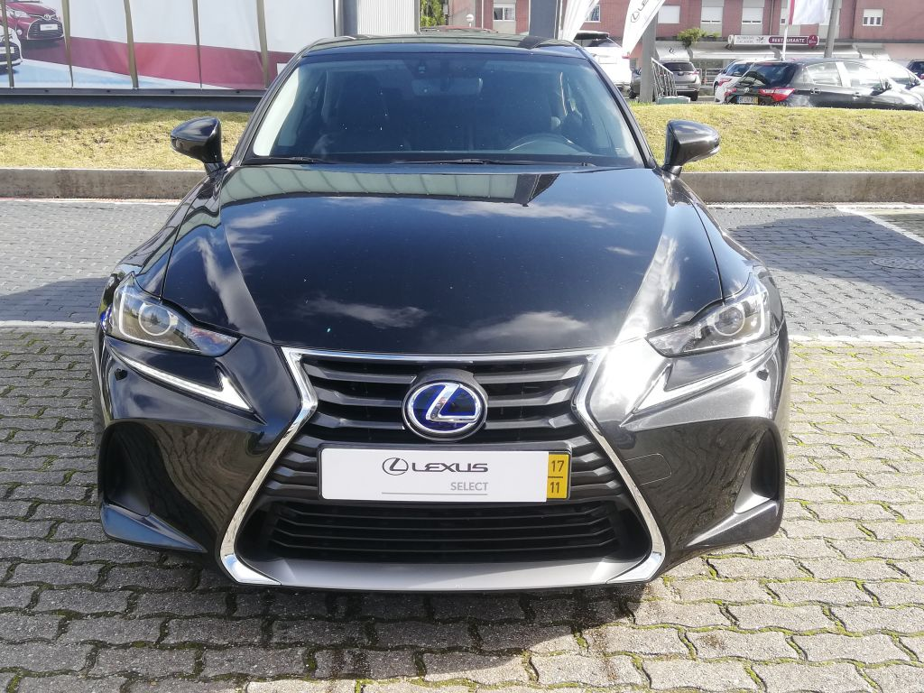 Lexus IS 300h Executive segunda mão Braga