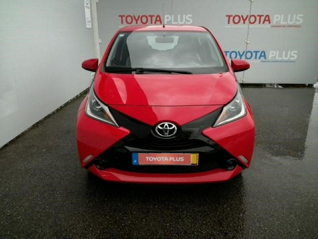 Toyota Aygo 1.0 x-play + AC + x-touch segunda mão Aveiro