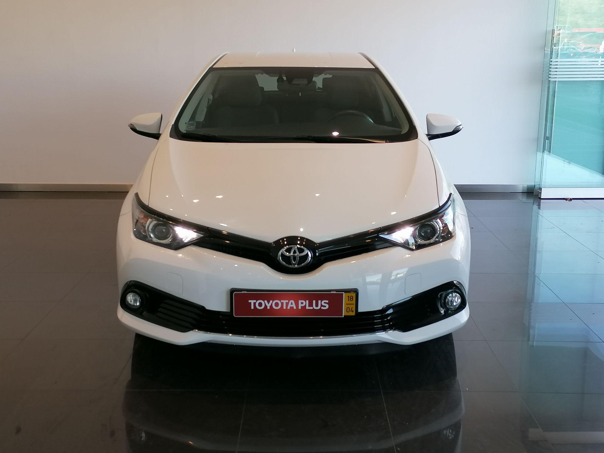 Toyota Auris 1.4D Comfort Pack Sport segunda mão Coimbra