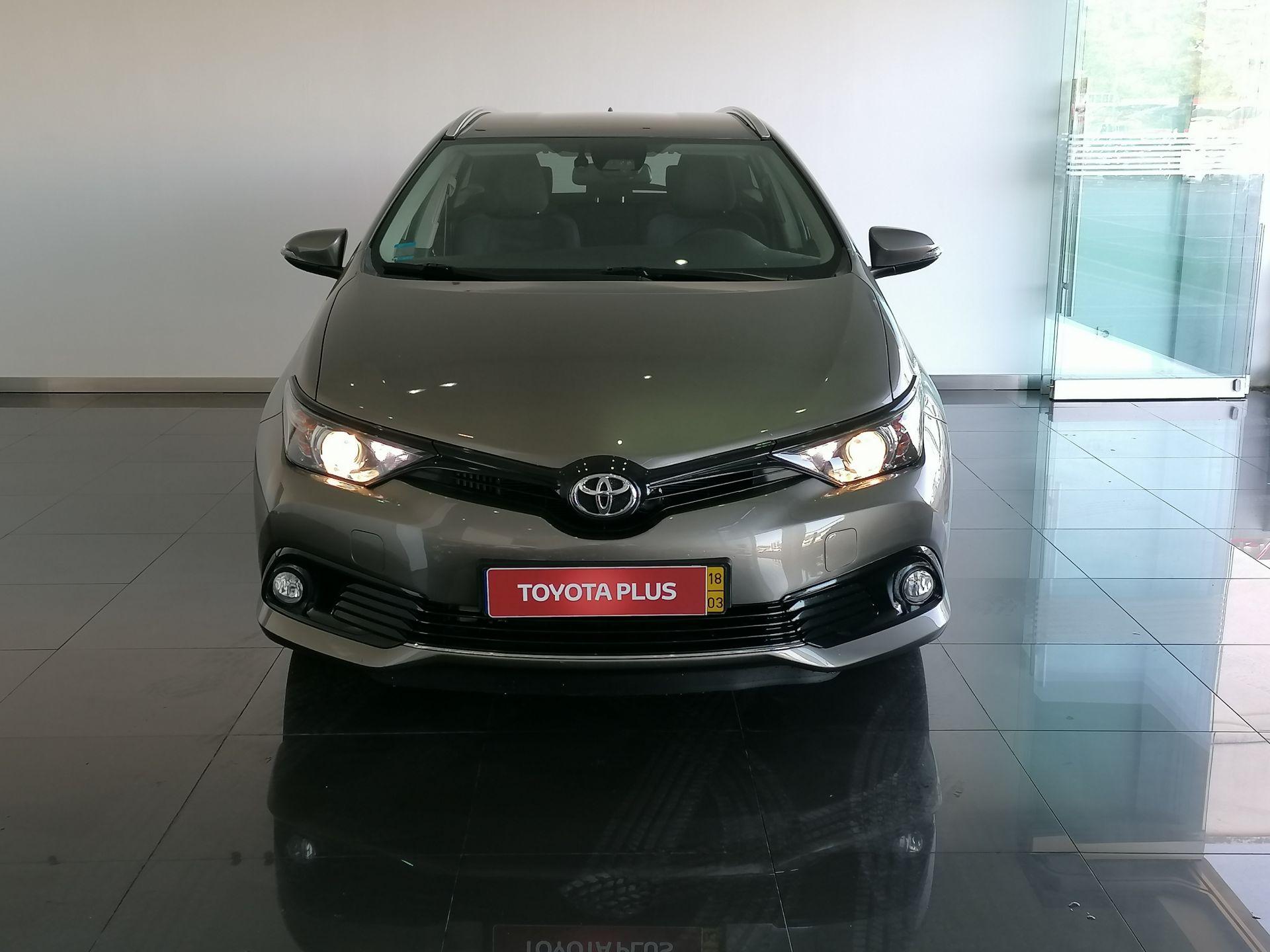 Toyota Auris Auris T1.4D Comfort + Techno + Pack Sport segunda mão Coimbra