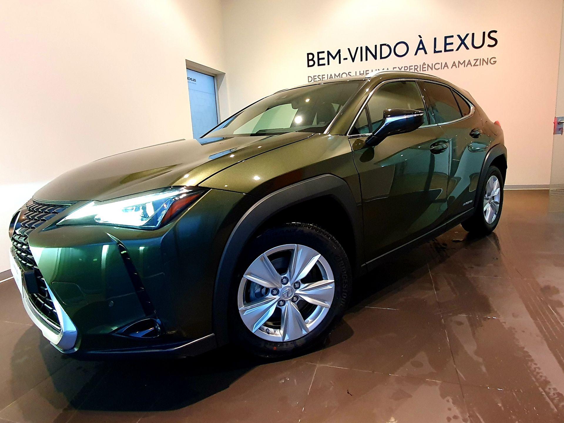 Lexus UX UX 250h Executive + usada Porto