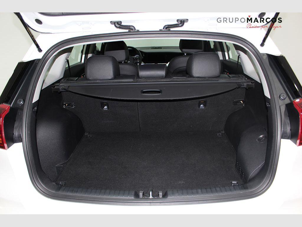 Kia Niro 1.6 GDi PHEV 104kW (141CV) Drive