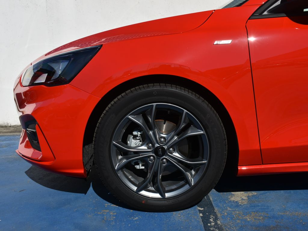 Ford Focus 1.0 ECOBOOST MHEV 92KW ST-LINE 125 5P