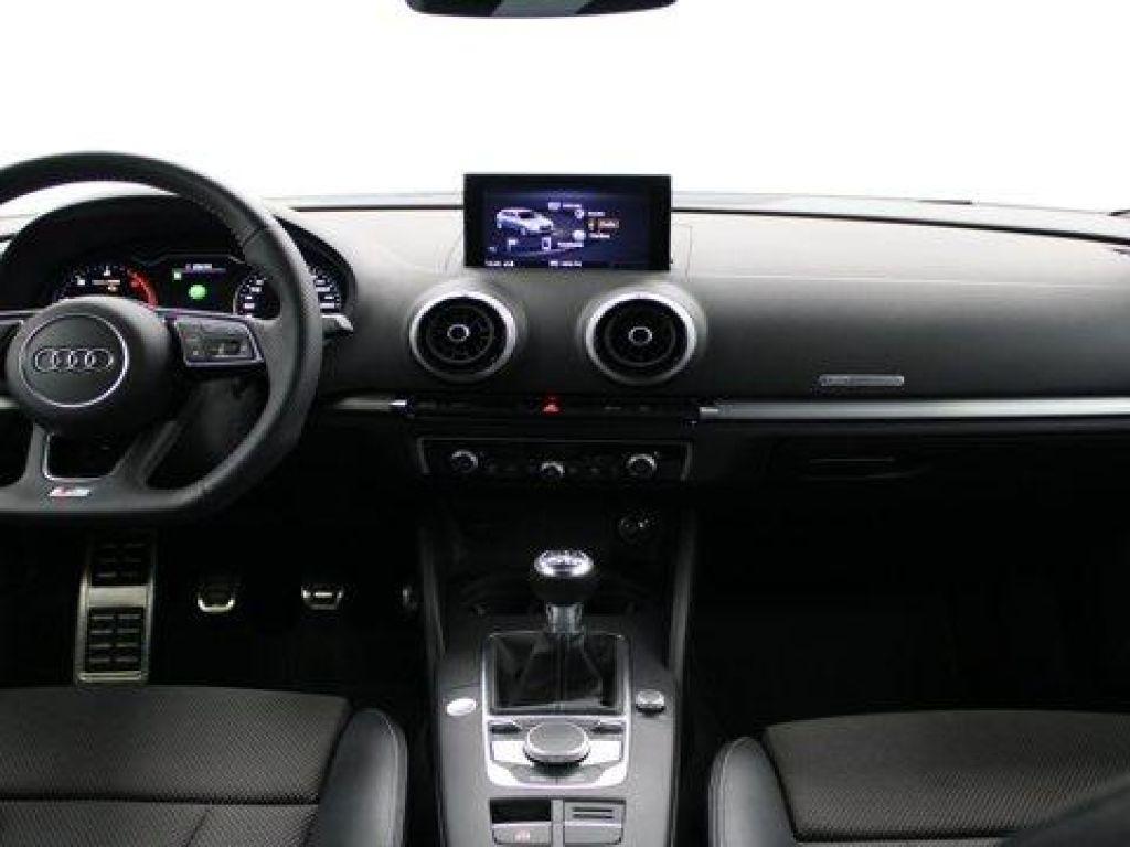 Audi A3 Black line 35 TDI 110 kW (150 CV)