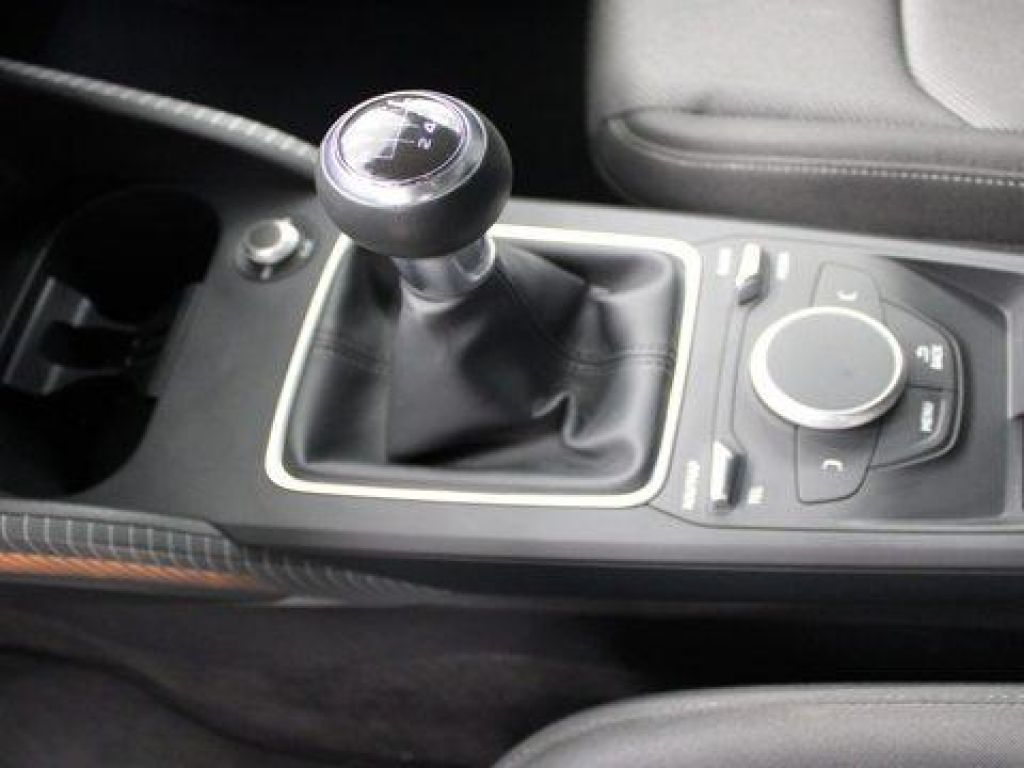 Audi Q2 Black line edition 30 TFSI 85 kW (116 CV)