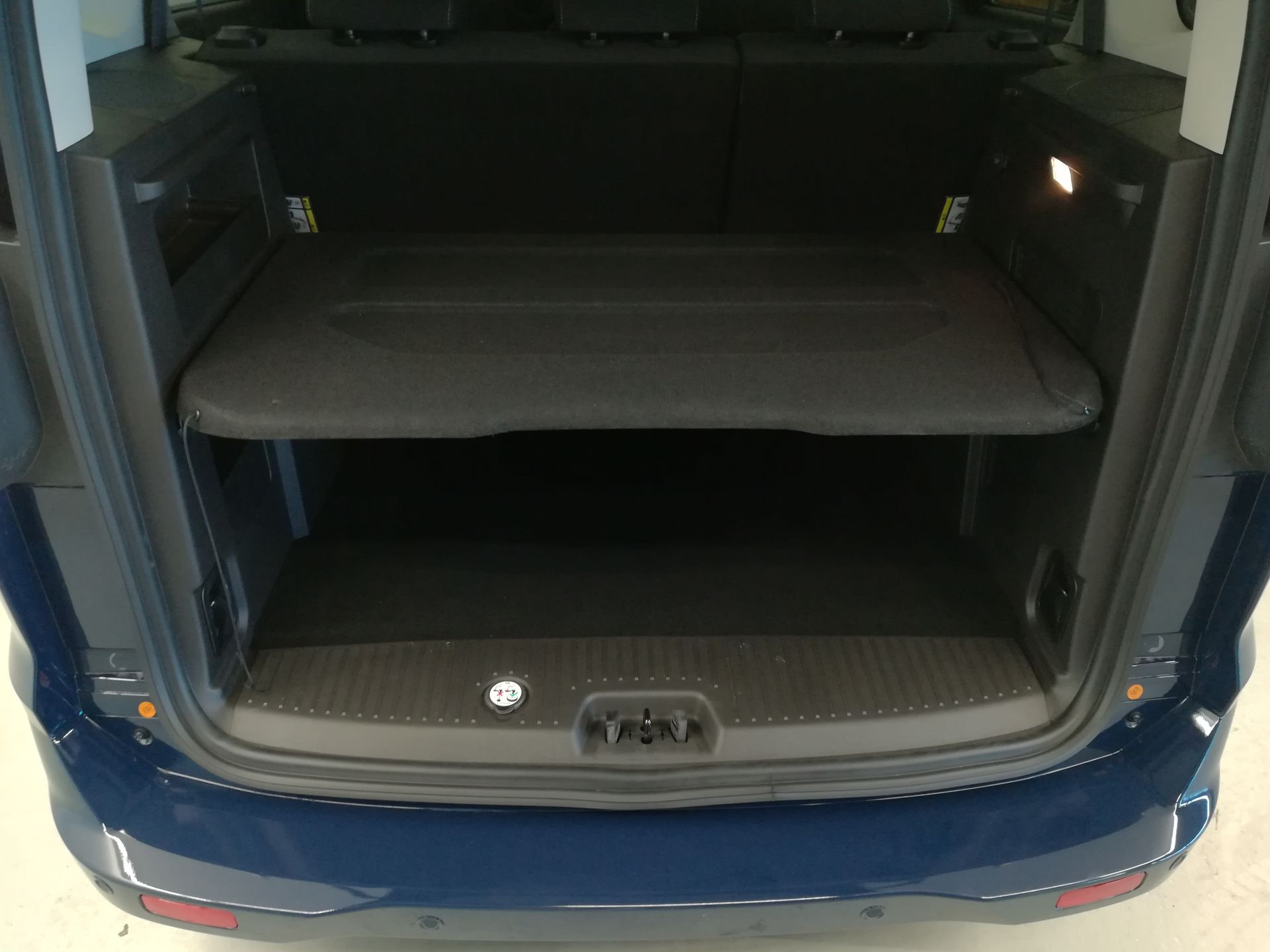 Ford Tourneo Courier 1.5 TDCi 74kW (100CV) Titanium