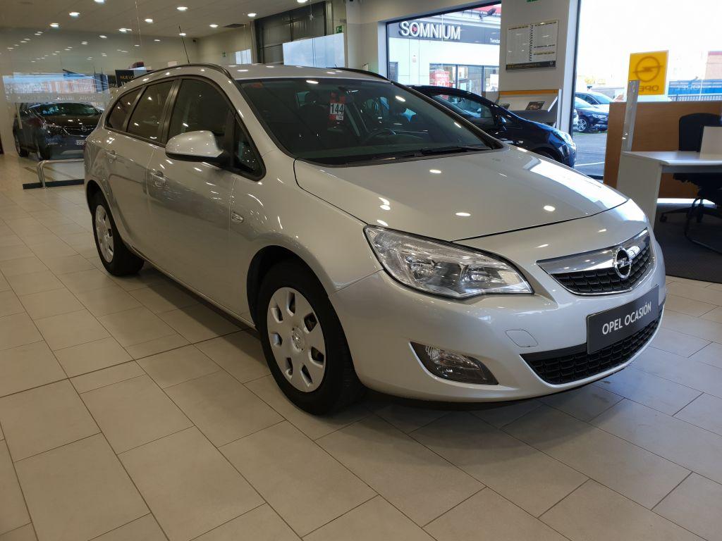 Opel Astra 1.7 CDTi 110 CV Enjoy ST segunda mano Madrid