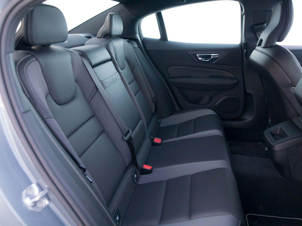 Volvo S60 2.0 T5 R-Design Auto