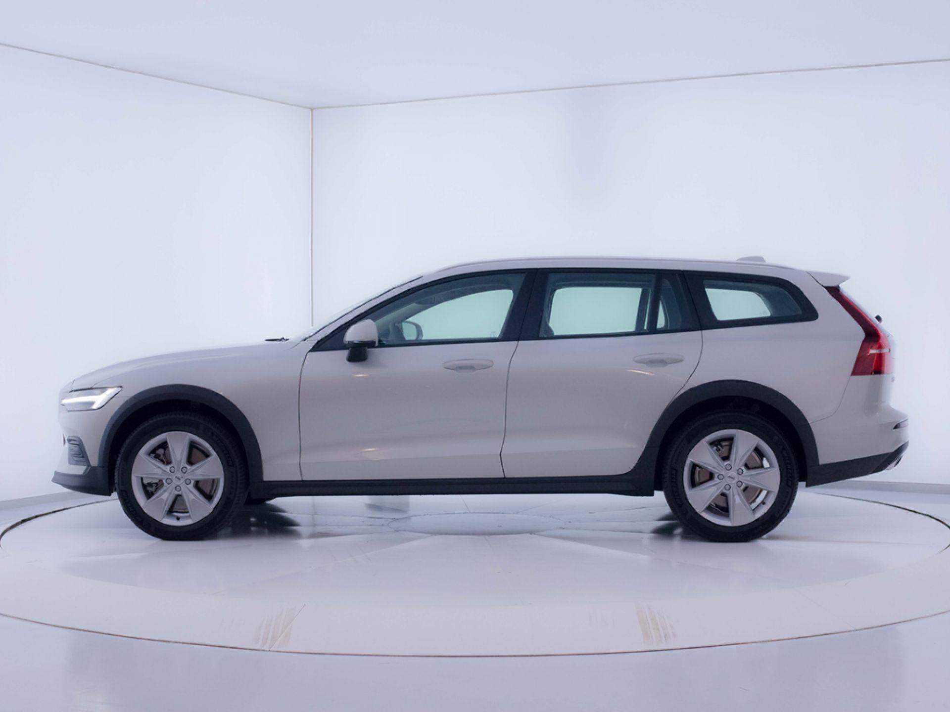 Volvo V60 Cross Country 2.0 D4 AWD AUTO