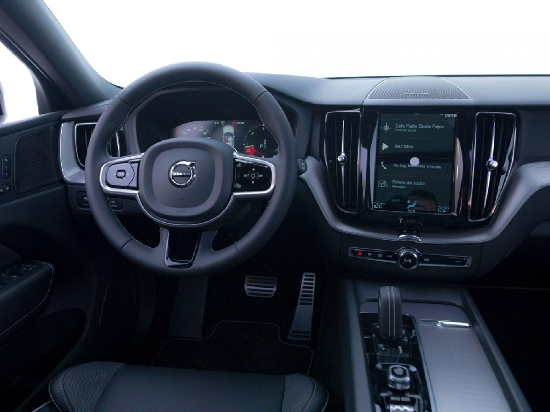 Volvo XC60 2.0 B4 D R-Design Auto
