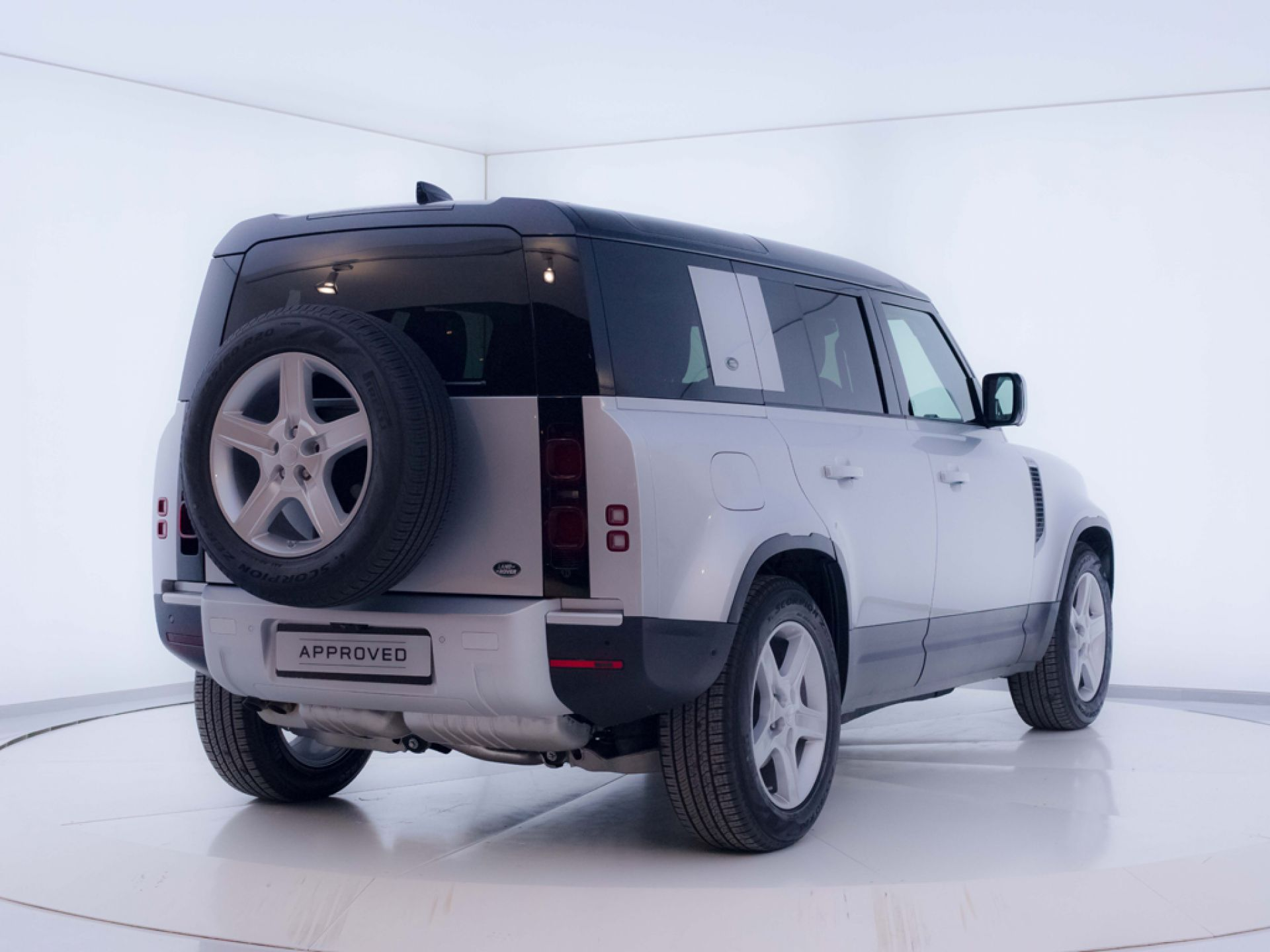 Land Rover Defender 2.0 D240 SD4 S 90 Auto 4WD