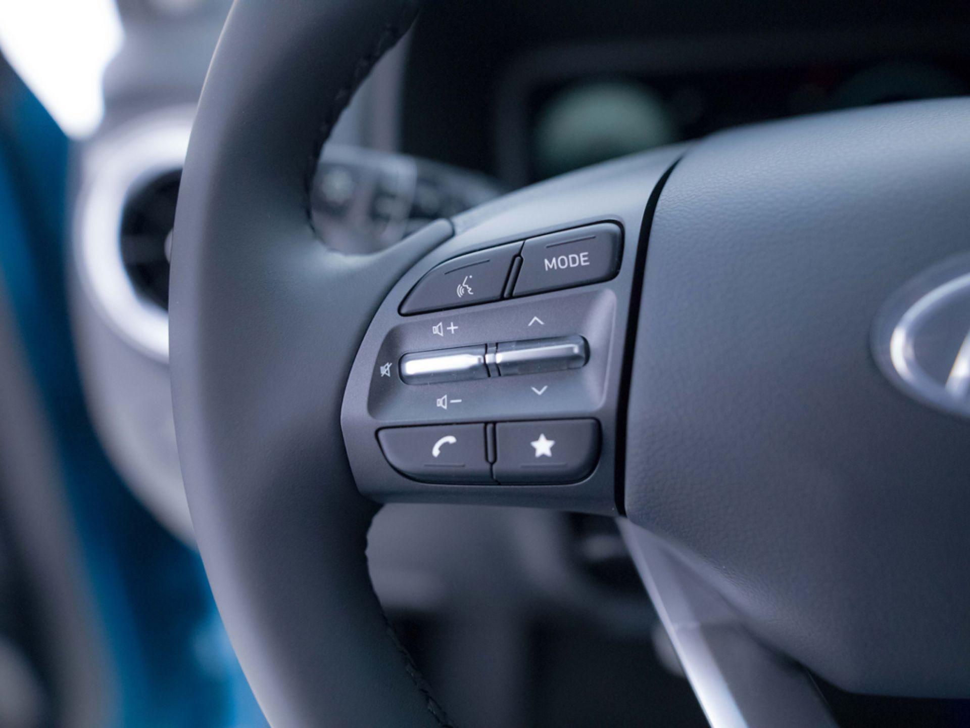 Hyundai Kona 100kW EV Maxx