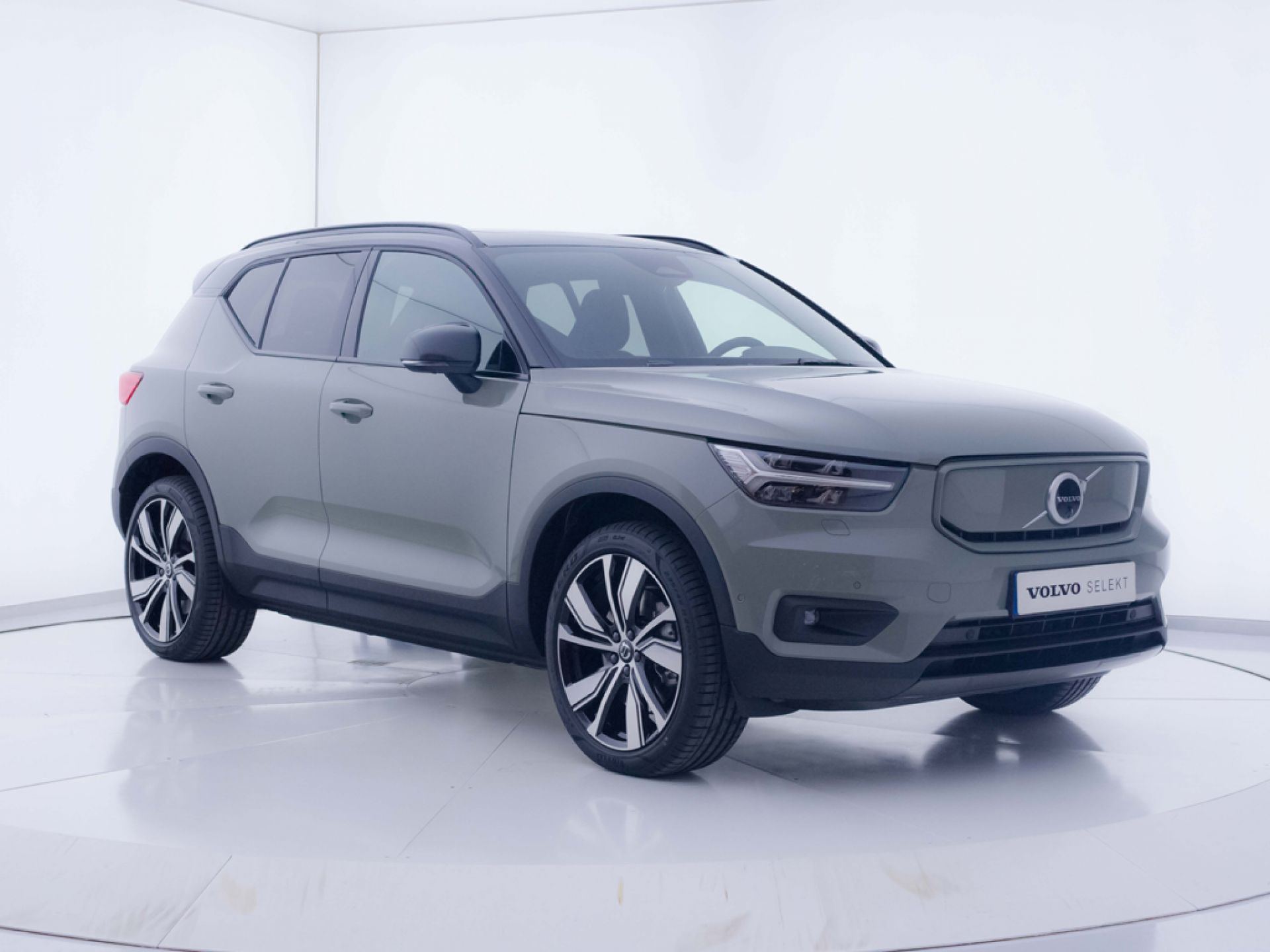 Volvo XC40 Recharge Twin Eléctrico (P8 AWD) III AT
