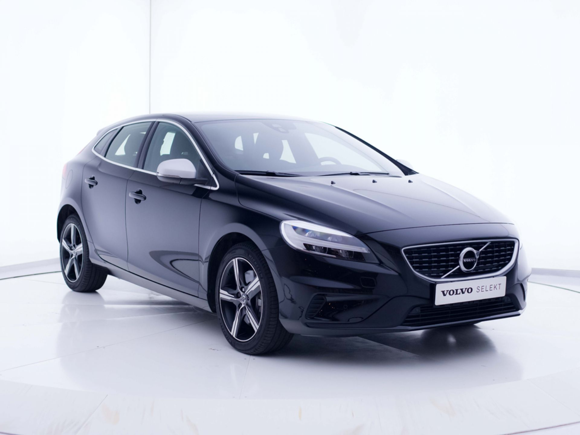 Volvo V40 1.5 T2 R-Design Momentum Auto