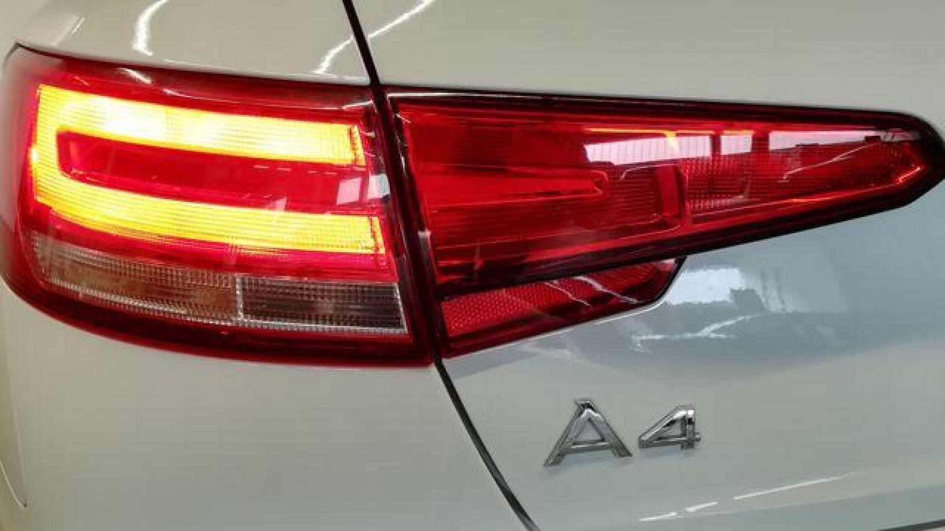 Audi A4 Avant 2.0 TDI ultra S tronic design edit