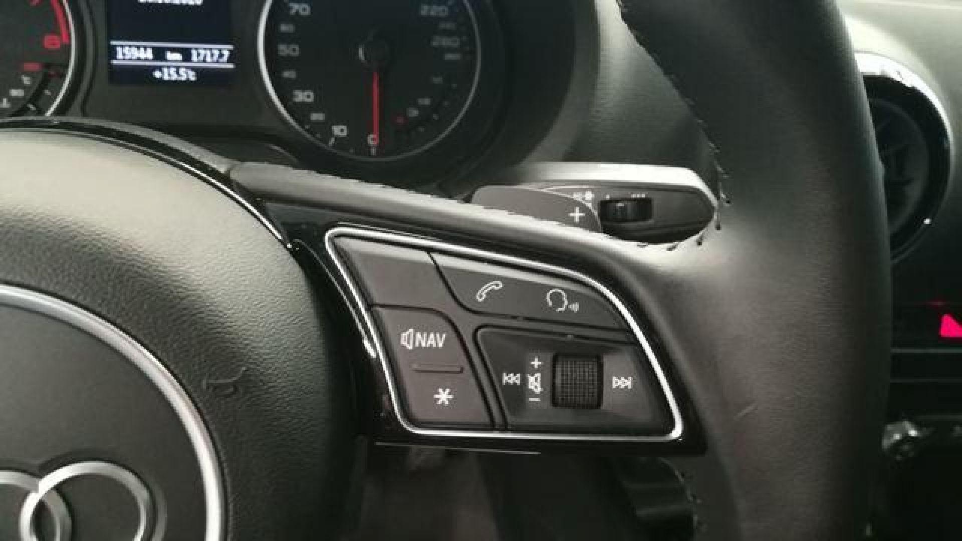 Audi A3 35 TFSI CoD Design S-tronic 110 kW (150 CV)