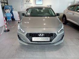Hyundai i30 1.6 CRDi 116cv Style Navi segunda mão Porto