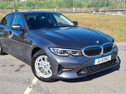 BMW Serie 3 316d Auto 48V segunda mão Porto
