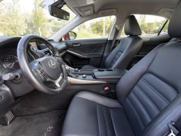 Lexus IS 300h Executive Plus segunda mão Lisboa