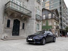 Lexus IS 300h Executive segunda mão Lisboa