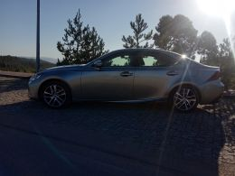 Lexus IS 300h Executive Plus segunda mão Coimbra