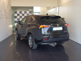 Lexus NX 2.5 300H 4X2 Executive Plus segunda mão Lisboa