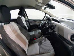 Toyota Yaris 1.0 Comfort segunda mão Lisboa