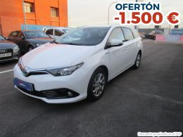 Toyota Auris 1.8 140H Active Touring Sports segunda mano Madrid