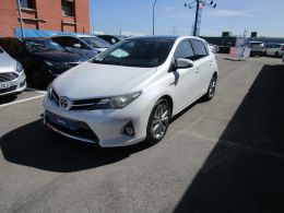 Toyota Auris Hybrid Active segunda mano Madrid