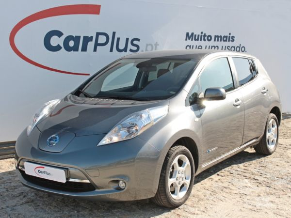 Nissan LEAF segunda mão Porto