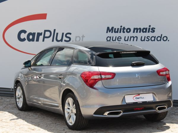 DS DS 5 1.6 BlueHDi So Chic usado (Porto)