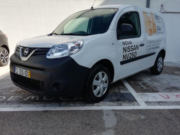 Nissan NV250 segunda mano Setúbal