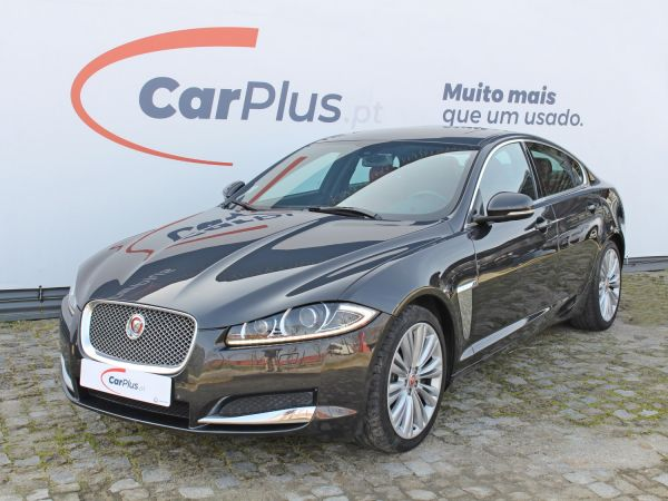 Jaguar XF segunda mão Porto