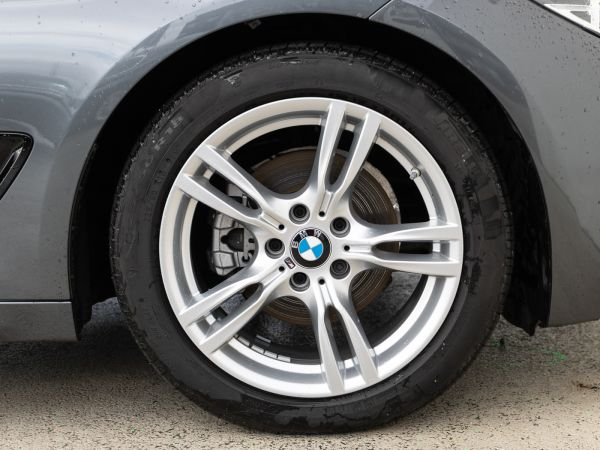 BMW Serie 3 320d GT Pack M Shadow Edition usado (Lisboa)