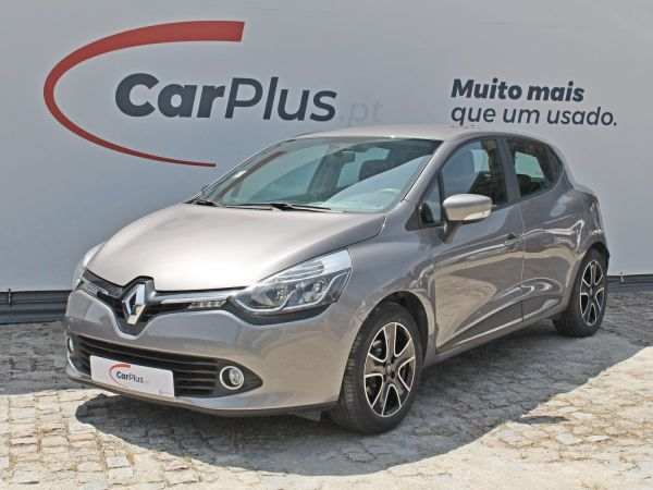 Renault Clio segunda mão Porto