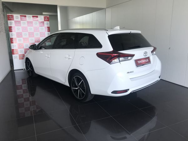 Toyota Auris Touring Sports 1.4D Comfort Pack Techno Pack Sport TS usado (Lisboa)