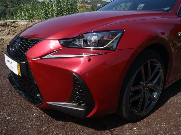 Lexus IS segunda mano Faro