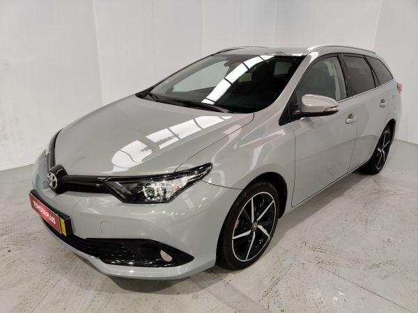 Toyota Auris Touring Sports segunda mão Braga